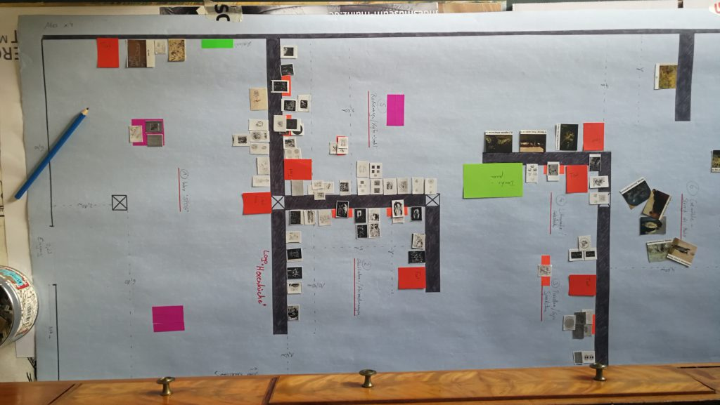 Hängeplan für die kommende Ausstellung © Foto: Karoline Feulner