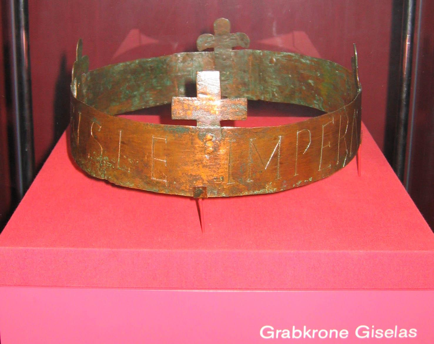 Grabkrone der Kaiserin Gisela, 1043, Standort: Speyer, Dom- und Diösesanmuseum im Historischen Museum der Pfalz, © Wiki Commons.